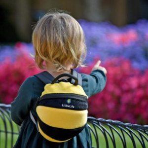 LittleLife gyerek hátizsák pórázzal – plüss méhecske